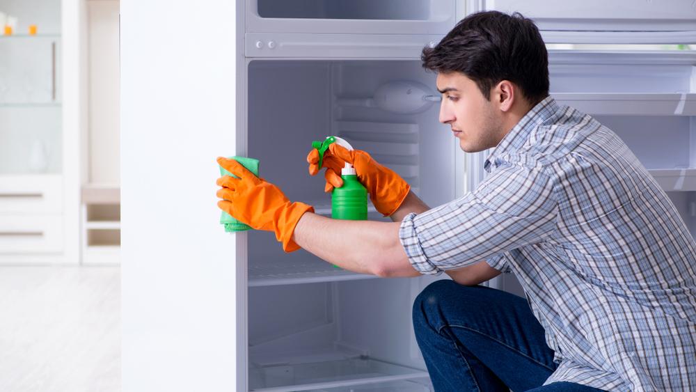 تمیز کردن بدنه یخچال